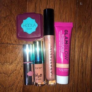 5 pc Makeup Bundle- New